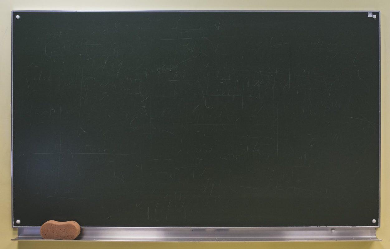 Tablice i pętle programowe. Nadajnik Morse'a - cz. 3